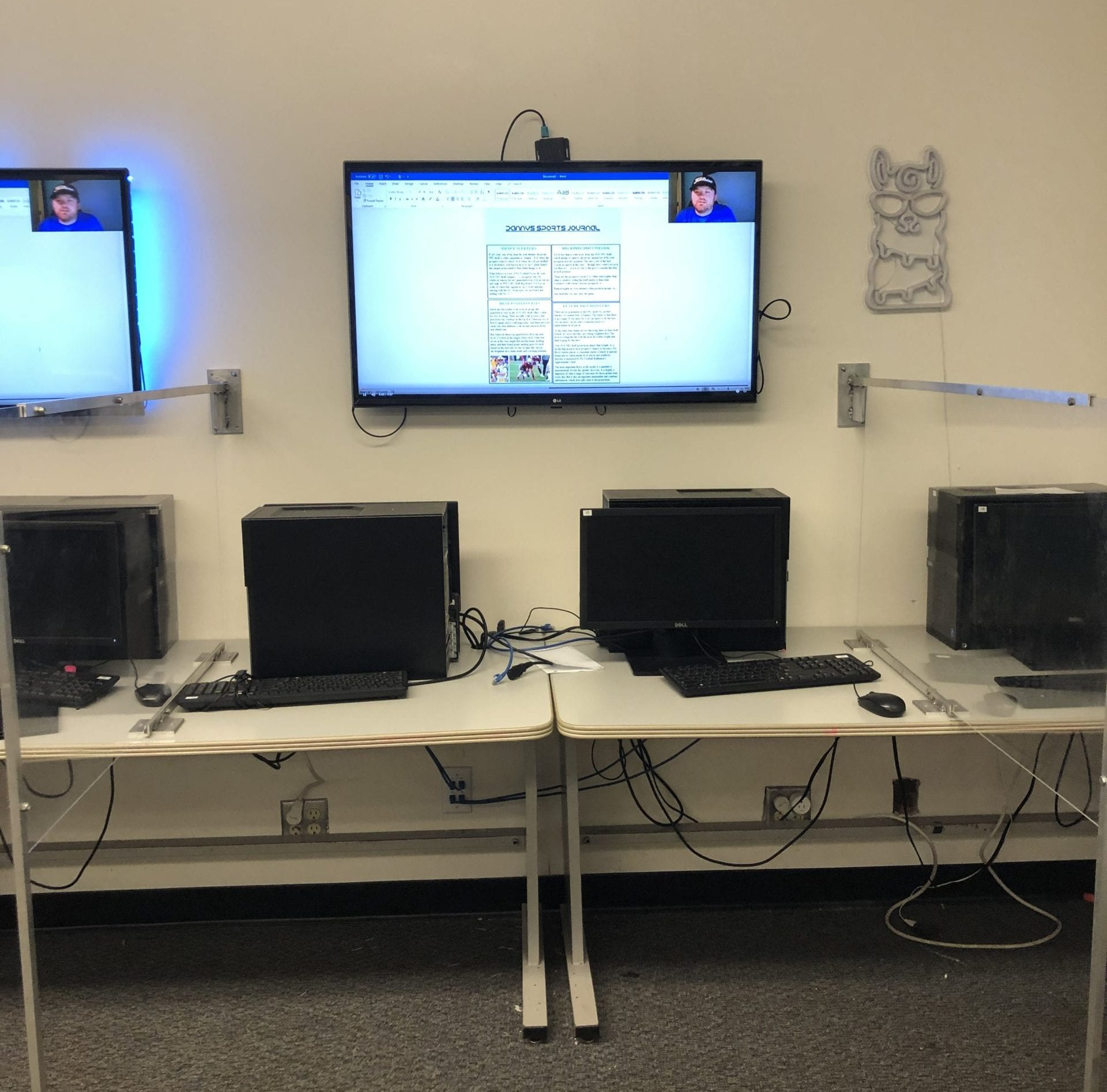 picture of classroom computer lab